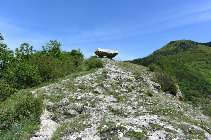 "le ""dolmen"" de Sem"